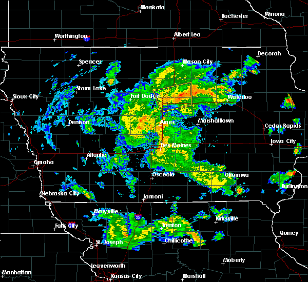 Radar Image for Severe Thunderstorms near Popejoy, IA at 5/25/2020 7:05 PM CDT