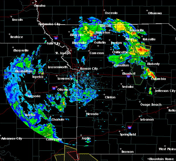 Radar Image for Severe Thunderstorms near Callao, MO at 5/25/2020 7:58 PM CDT