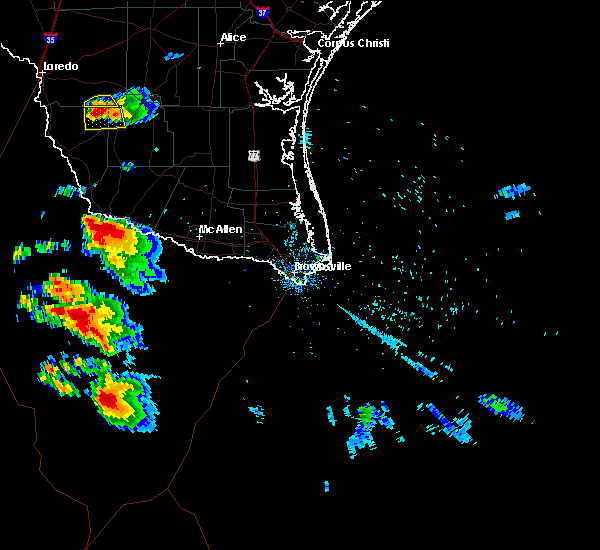 Radar Image for Severe Thunderstorms near Fernando Salinas, TX at 5/25/2020 7:58 PM CDT