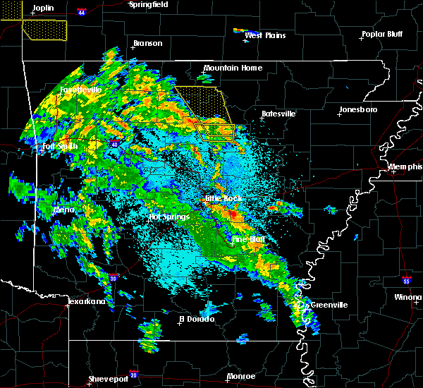 Radar Image for Severe Thunderstorms near Big Flat, AR at 5/25/2020 10:20 PM CDT