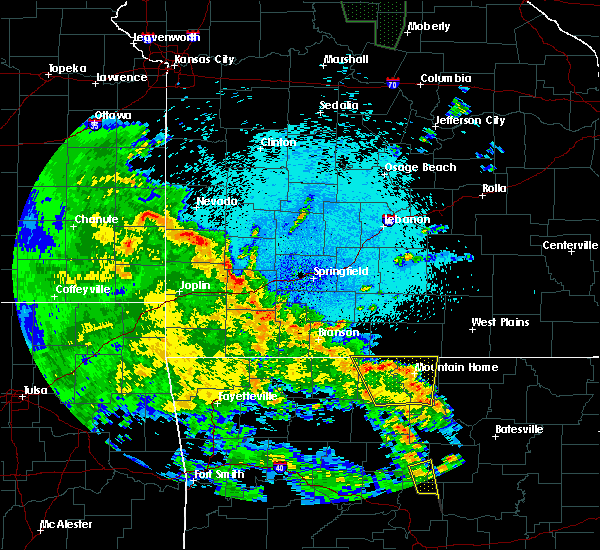 Radar Image for Severe Thunderstorms near Merriam Woods, MO at 5/25/2020 11:14 PM CDT