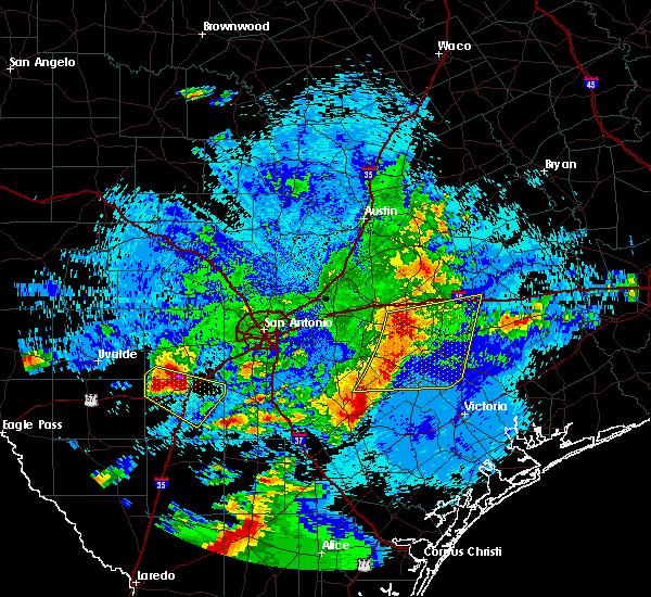 Radar Image for Severe Thunderstorms near Schulenburg, TX at 5/26/2020 12:01 AM CDT