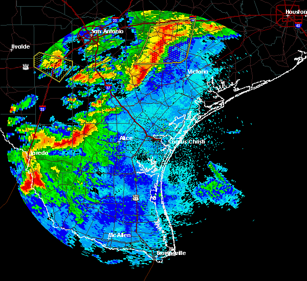 Radar Image for Severe Thunderstorms near Loma Linda East, TX at 5/26/2020 12:11 AM CDT