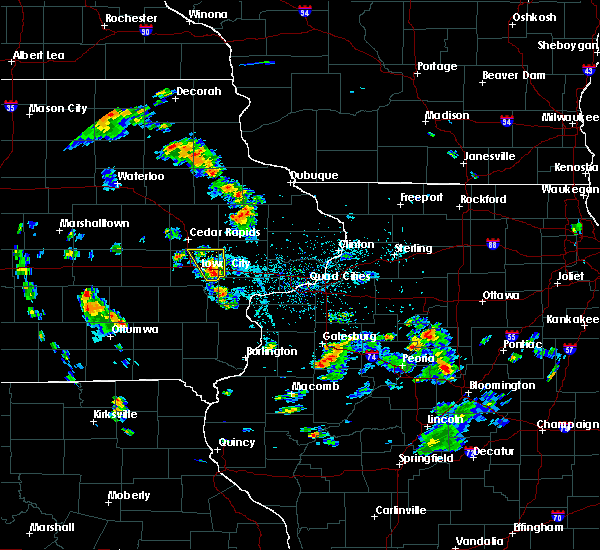 Radar Image for Severe Thunderstorms near Iowa City, IA at 5/26/2020 4:38 PM CDT