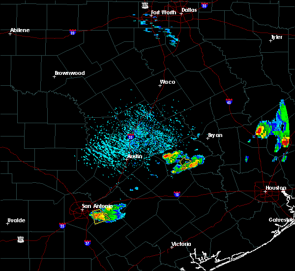 Radar Image for Severe Thunderstorms near Giddings, TX at 5/26/2020 4:51 PM CDT