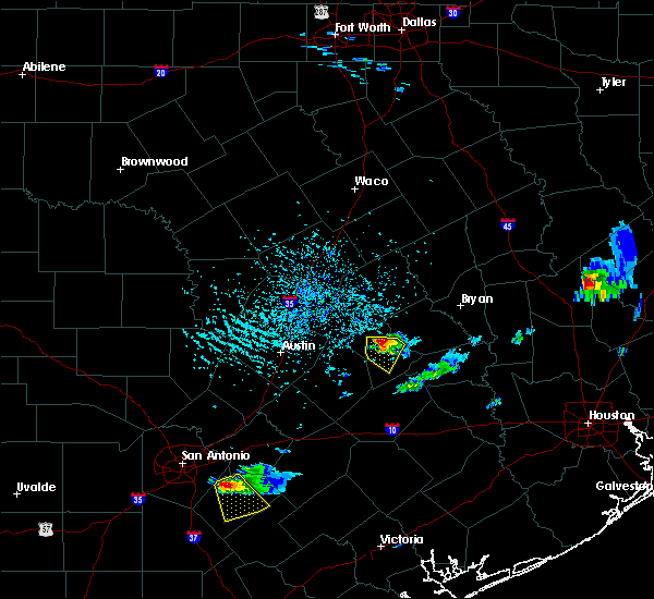 Radar Image for Severe Thunderstorms near Lexington, TX at 5/26/2020 5:10 PM CDT