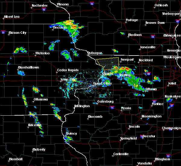 Radar Image for Severe Thunderstorms near Elizabeth, IL at 5/26/2020 6:22 PM CDT