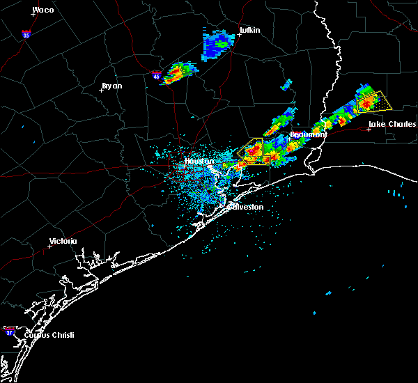 Radar Image for Severe Thunderstorms near Pinewood Estates, TX at 5/26/2020 7:24 PM CDT