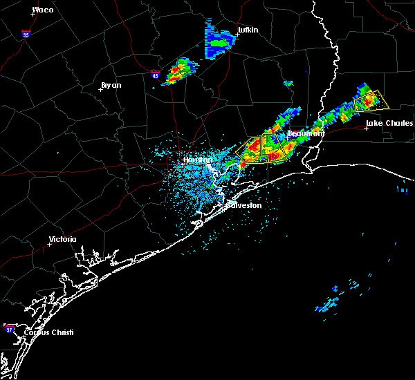 Radar Image for Severe Thunderstorms near Pinewood Estates, TX at 5/26/2020 7:34 PM CDT