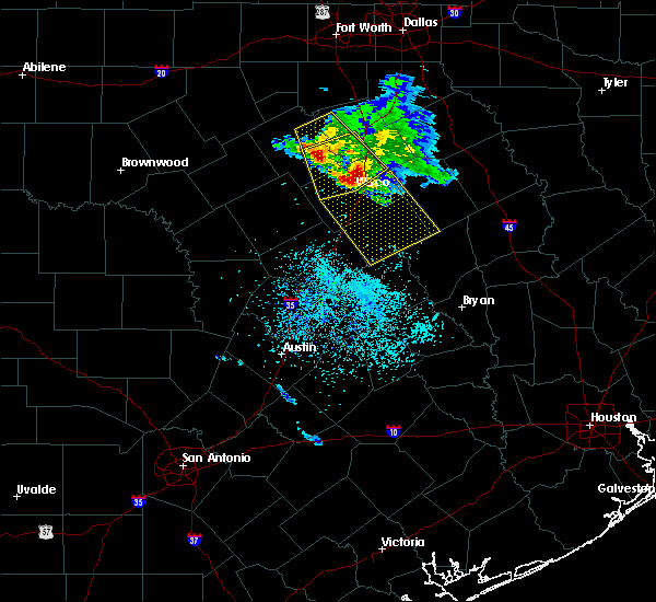 Radar Image for Severe Thunderstorms near Woodway, TX at 5/27/2020 12:12 PM CDT