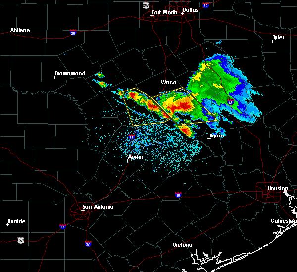 Radar Image for Severe Thunderstorms near Rockdale, TX at 5/27/2020 1:35 PM CDT