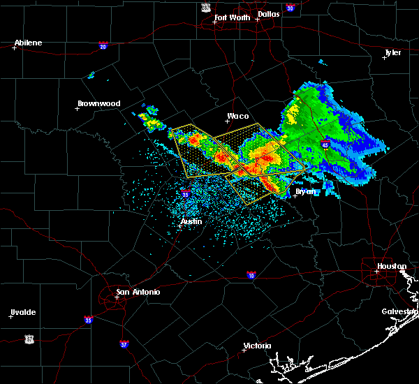Radar Image for Severe Thunderstorms near Rockdale, TX at 5/27/2020 1:46 PM CDT