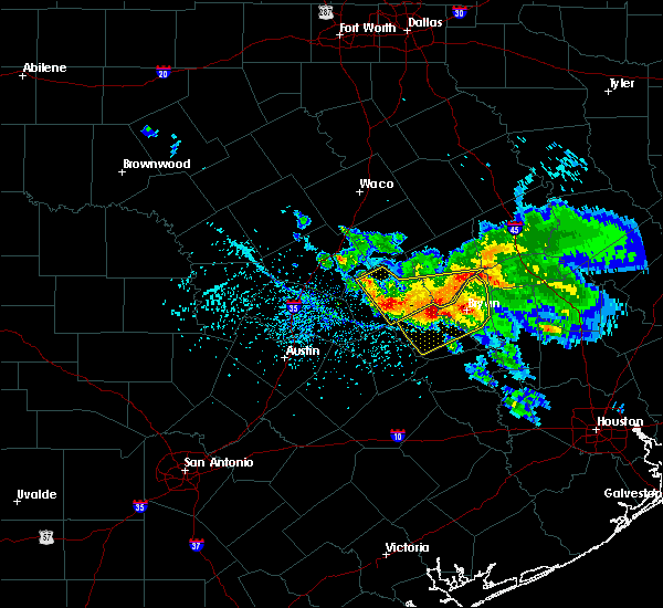 Radar Image for Severe Thunderstorms near Rockdale, TX at 5/27/2020 2:31 PM CDT