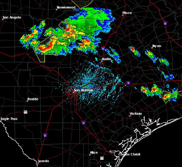 Radar Image for Severe Thunderstorms near Fredericksburg, TX at 5/27/2020 5:51 PM CDT