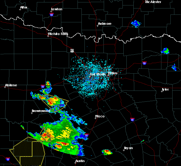 Radar Image for Severe Thunderstorms near Dublin, TX at 5/27/2020 5:56 PM CDT