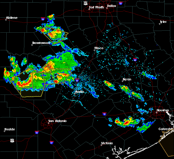 Radar Image for Severe Thunderstorms near Granite Shoals, TX at 5/27/2020 6:02 PM CDT