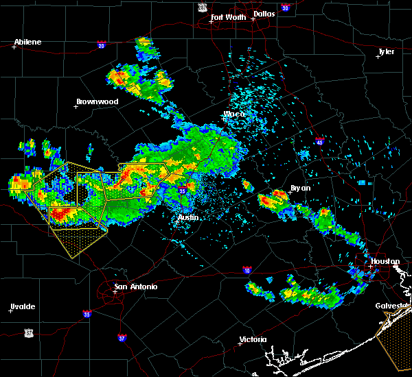 Radar Image for Severe Thunderstorms near Granite Shoals, TX at 5/27/2020 6:33 PM CDT