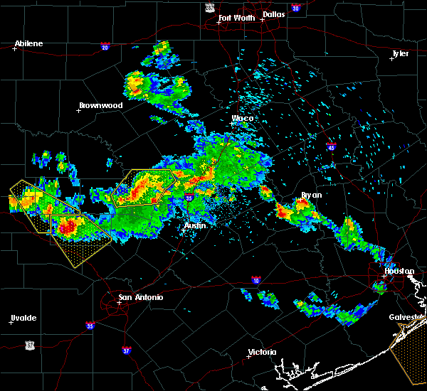 Radar Image for Severe Thunderstorms near Highland Haven, TX at 5/27/2020 6:47 PM CDT