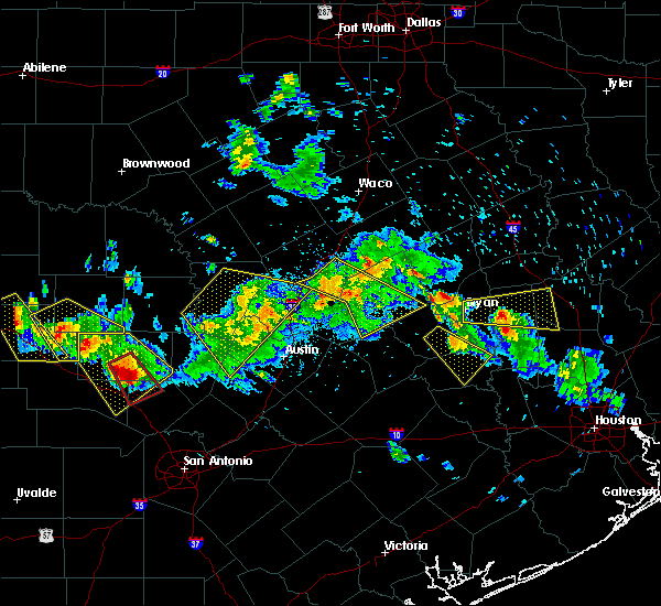 Radar Image for Severe Thunderstorms near Rockdale, TX at 5/27/2020 7:11 PM CDT