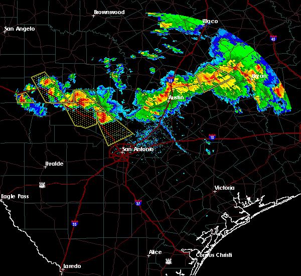 Radar Image for Severe Thunderstorms near Fredericksburg, TX at 5/27/2020 7:33 PM CDT