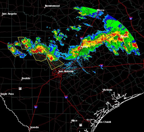Radar Image for Severe Thunderstorms near Fredericksburg, TX at 5/27/2020 7:50 PM CDT