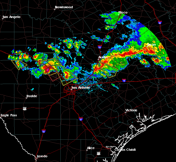 Radar Image for Severe Thunderstorms near Marion, TX at 5/27/2020 8:15 PM CDT