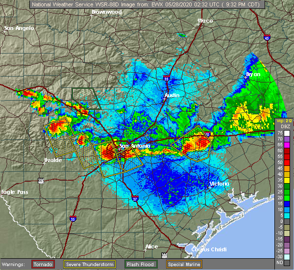 Radar Image for Severe Thunderstorms near St. Hedwig, TX at 5/27/2020 9:34 PM CDT