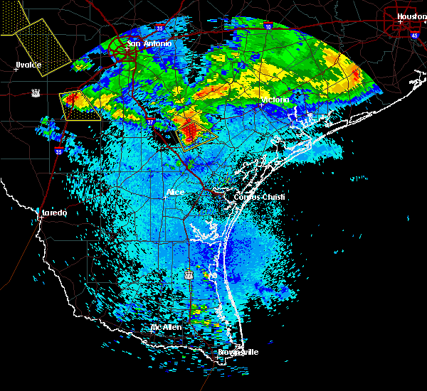 Radar Image for Severe Thunderstorms near Beeville, TX at 5/27/2020 11:47 PM CDT