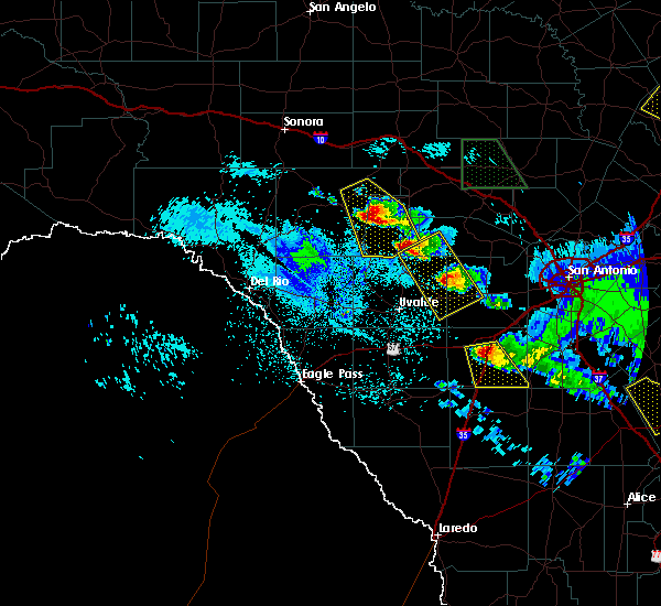 Radar Image for Severe Thunderstorms near Hondo, TX at 5/27/2020 11:47 PM CDT