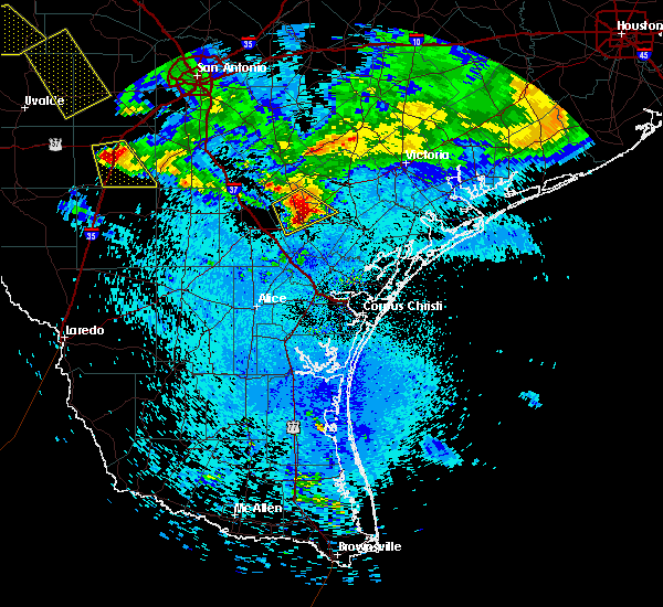 Radar Image for Severe Thunderstorms near Beeville, TX at 5/27/2020 11:55 PM CDT