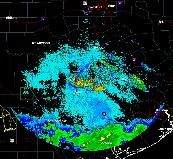 Radar Image for Severe Thunderstorms near Round Rock, TX at 5/28/2020 12:20 AM CDT