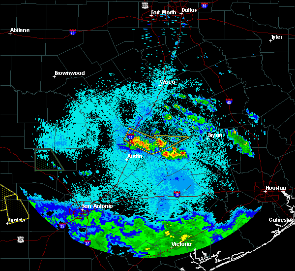 Radar Image for Severe Thunderstorms near Round Rock, TX at 5/28/2020 12:30 AM CDT