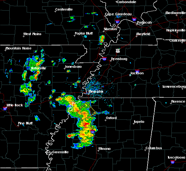 Radar Image for Severe Thunderstorms near Senatobia, MS at 5/28/2020 1:33 PM CDT