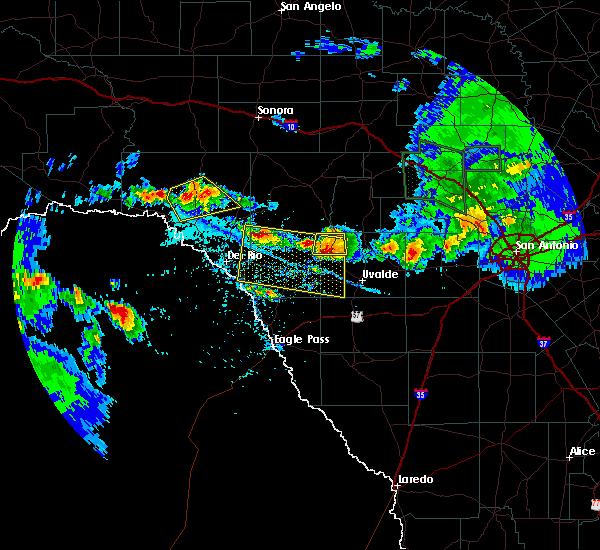 Radar Image for Severe Thunderstorms near Brackettville, TX at 5/28/2020 5:08 PM CDT