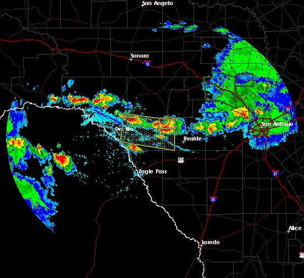 Radar Image for Severe Thunderstorms near Brackettville, TX at 5/28/2020 5:25 PM CDT