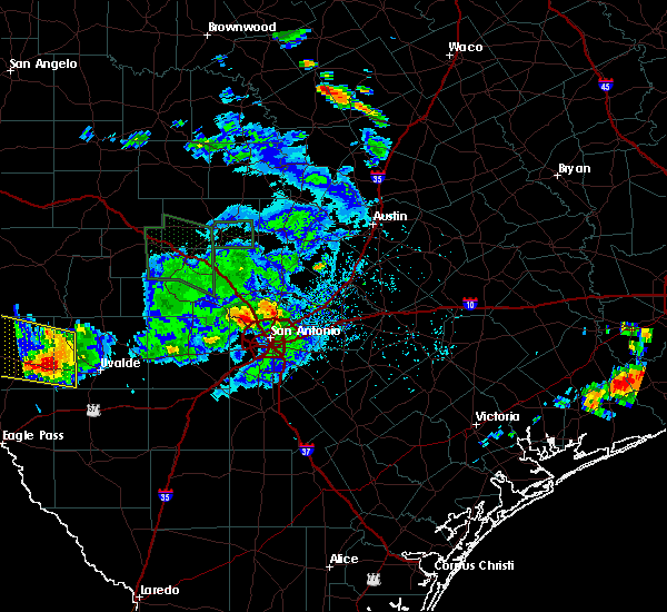 Radar Image for Severe Thunderstorms near Randolph AFB, TX at 5/28/2020 5:41 PM CDT