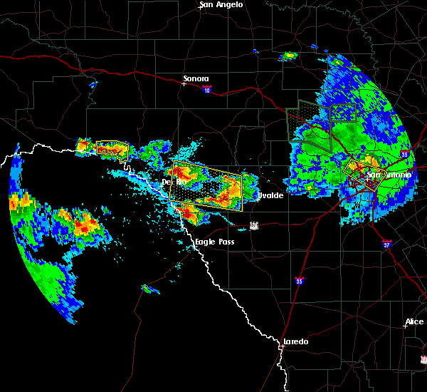 Radar Image for Severe Thunderstorms near Siesta Acres, TX at 5/28/2020 5:49 PM CDT