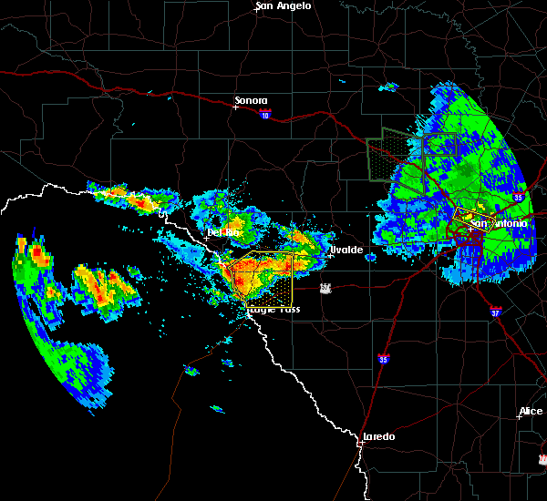 Radar Image for Severe Thunderstorms near Siesta Acres, TX at 5/28/2020 6:10 PM CDT