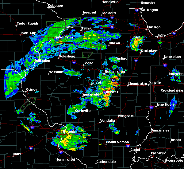 Radar Image for Severe Thunderstorms near Sullivan, IL at 5/28/2020 7:23 PM CDT