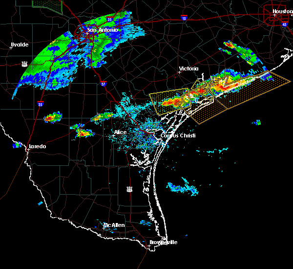 Radar Image for Severe Thunderstorms near Austwell, TX at 5/28/2020 7:31 PM CDT