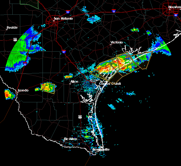 Radar Image for Severe Thunderstorms near Rockport, TX at 5/28/2020 8:17 PM CDT