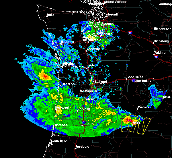 Radar Image for Severe Thunderstorms near Tumalo, OR at 5/30/2020 2:08 PM PDT