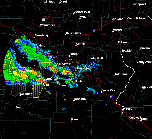 Radar Image for Severe Thunderstorms near Rowena, OR at 5/30/2020 4:01 PM PDT