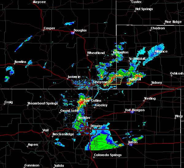 Radar Image for Severe Thunderstorms near Pine Bluffs, WY at 5/31/2020 4:44 PM MDT