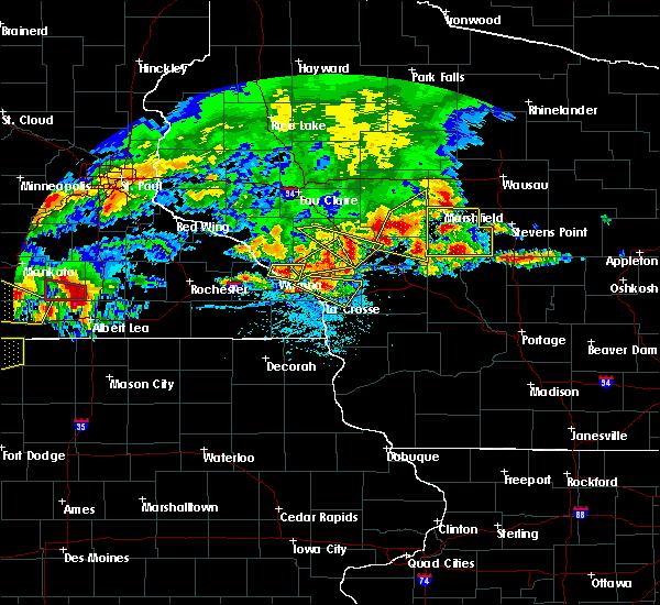 Radar Image for Severe Thunderstorms near Dakota, MN at 6/2/2020 6:21 PM CDT