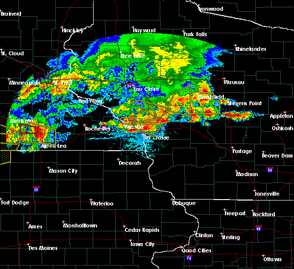 Radar Image for Severe Thunderstorms near Ettrick, WI at 6/2/2020 6:28 PM CDT