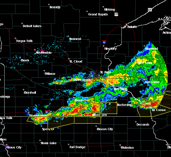 Radar Image for Severe Thunderstorms near Blue Earth, MN at 6/2/2020 6:44 PM CDT