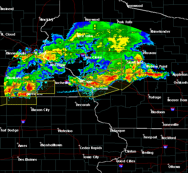Radar Image for Severe Thunderstorms near Hokah, MN at 6/2/2020 6:45 PM CDT