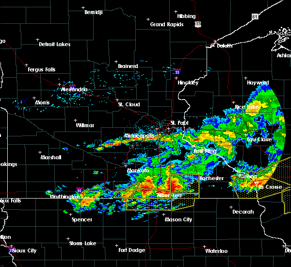 Radar Image for Severe Thunderstorms near Blue Earth, MN at 6/2/2020 7:12 PM CDT