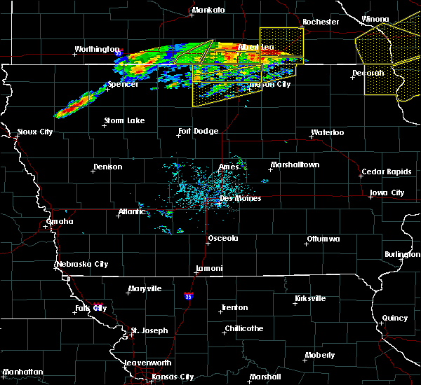 Radar Image for Severe Thunderstorms near Lake Mills, IA at 6/2/2020 7:16 PM CDT